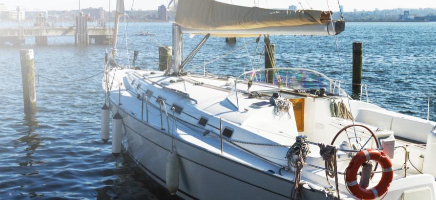 Corona-proof op vakantie: Waarom een zeilboot huren een goed idee is!